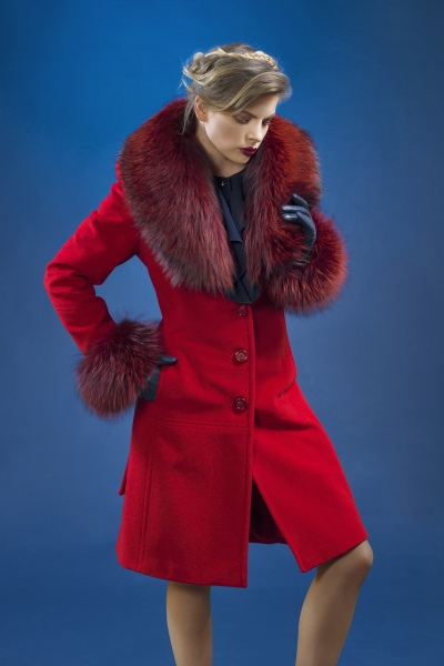 Lady M by Maria fashion company red wool high quality coat with natural fur.